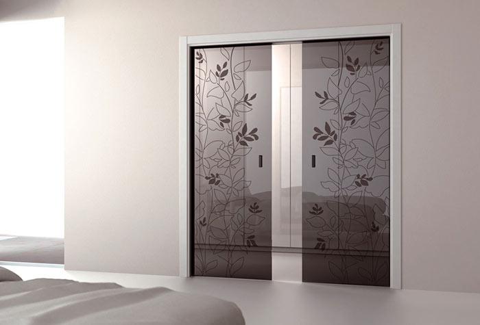 Стеклянные межкомнатные двери визуально увеличивают пространство
