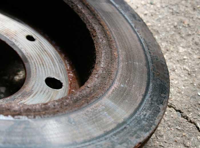 Неравномерный износ тормозного диска