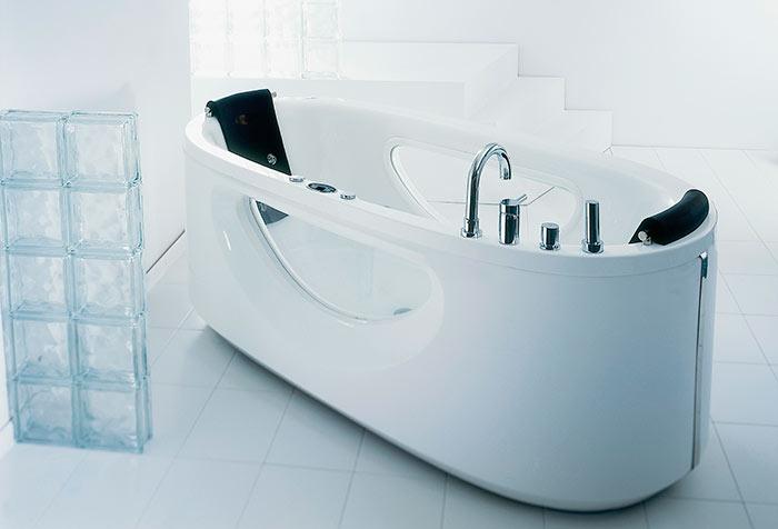 Акриловые ванны отличаются разнообразием форм и размеров