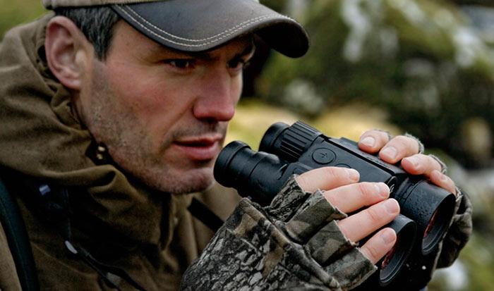Для охоты рекомендуется выбирать бинокль с 6-10 кратным увеличением