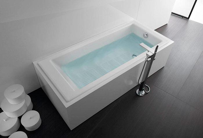 Чугунные ванны имеют прямоугольную форму и большой вес
