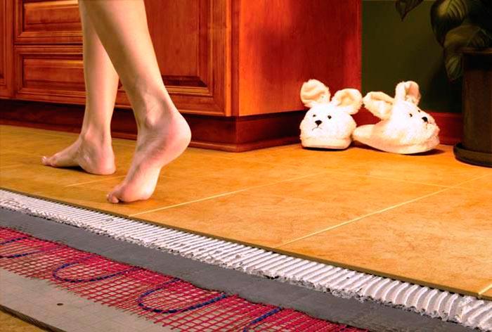 Электрический пол используется как дополнительный источник тепла