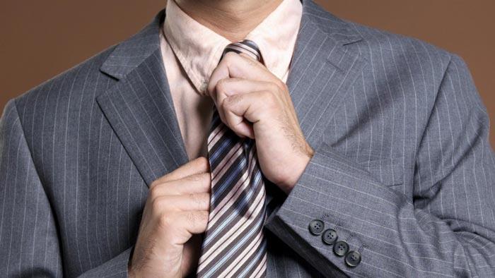 Проверьте форму галстука при покупке