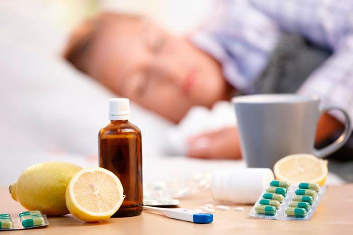 При первых признаках простуды можно попробовать народные средства лечения