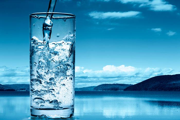 Воду из колодцев и скважин необходимо очищать от примесей