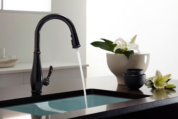 Смеситель для кухни с вытяжным душем