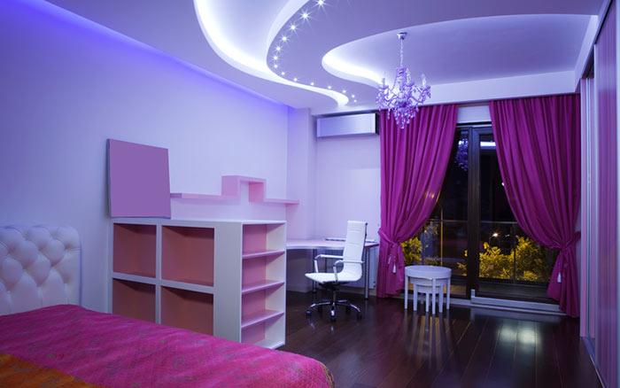 Светодиодную ленту можно использовать в качестве подсветки потолка из гипсокаторна