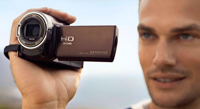 Приобретать видеокамеру необходимо с носителем HDD или флеш-картой