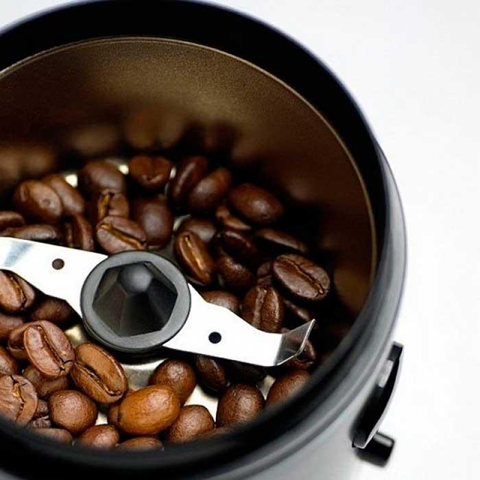 Настоящие ценители кофе серьезно подходят к выбору кофемолки