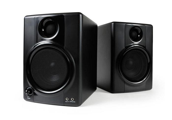 При покупке колонок обязательно проверьте качество их звучания