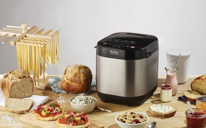 В некоторых моделях хлебопечек можно приготовить йогурт, творог, масло, джем