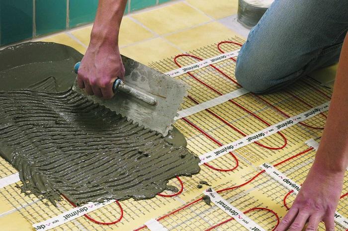 укладывание плитки на теплый пол