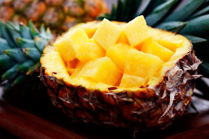 Хранить ананас в холодильнике можно до двух недель