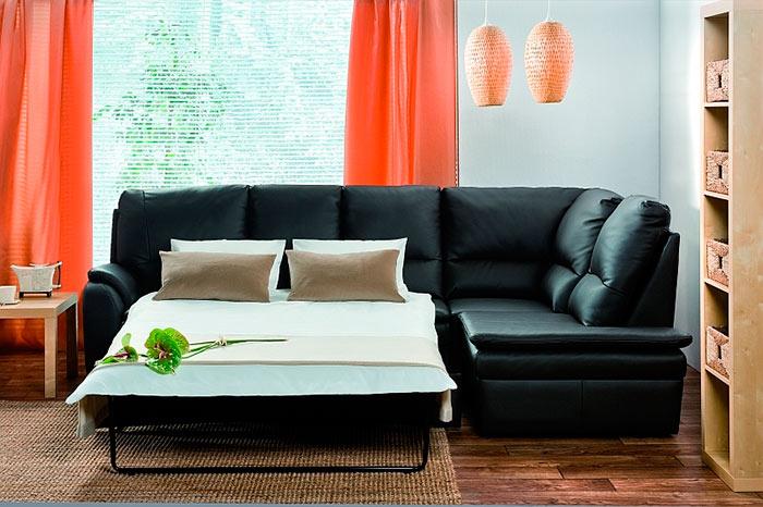 Для ежедневного сна лучше всего выбирать диван с ортопедическим матрасом