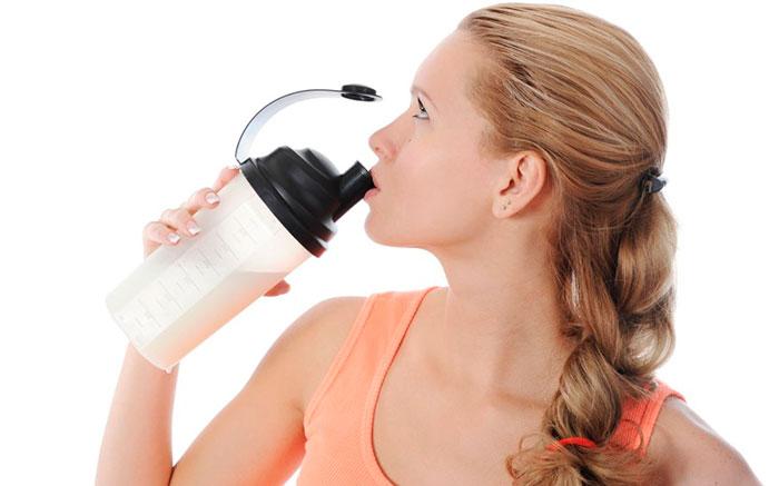 Регулярное употребление коктейлей для похудения поможет поддерживать фигуру в форме