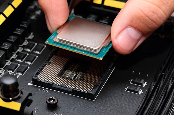 Если интересует высокая производительность, стоит выбрать процессор Intel, низкая стоимость - AMD