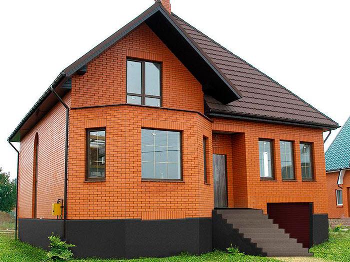 Дома из кирпича обладают хорошей тепло- и звукоизоляцией, хорошей устойчивостью