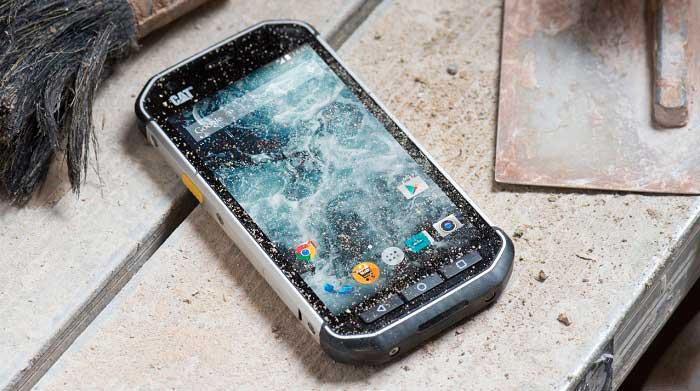 Ударопрочный и водонепроницаемый телефон