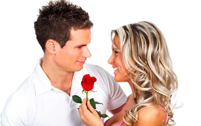 Дарить цветы принято только мужчинам-ровесникам или старшего возраста