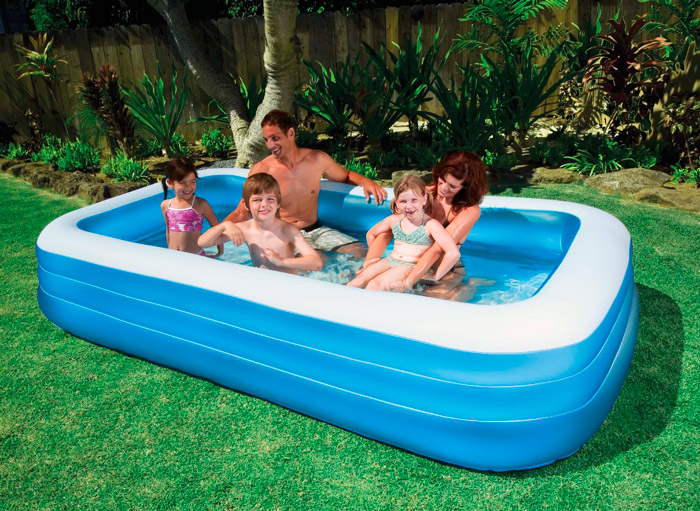Надувной бассейн для всей семьи