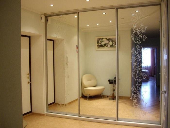 Раздвижные межкомнатные зеркальные двери