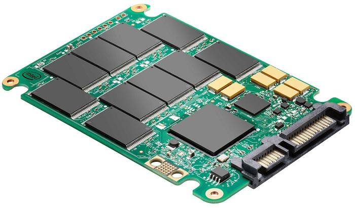 У SSD диска скорость чтения и записи данных в 3-4 раза выше, чем у HDD