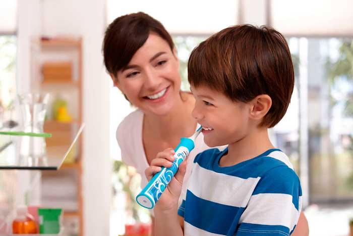 Выбираем электрическую зубную щетку для ребенка