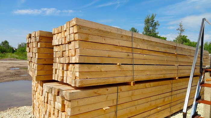 Для строительства дома выбирайте брус из зимней древесины