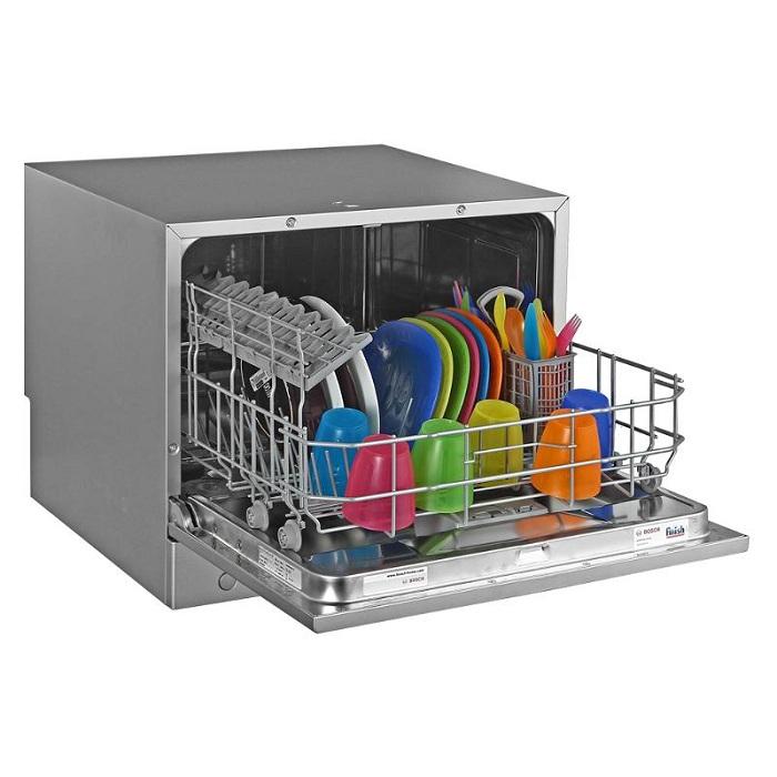 Установка настольной посудомоечной машины возможна в любом месте, где её можно подключить к воде и канализации