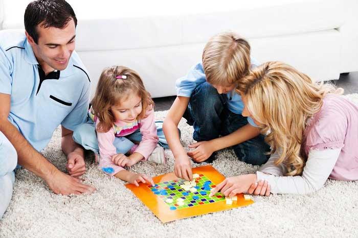 Настольный игры - прекрасный способ расслабиться в конце дня