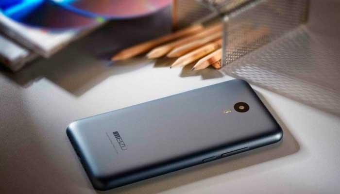 Смартфон работает на операционной системе Android 5.1