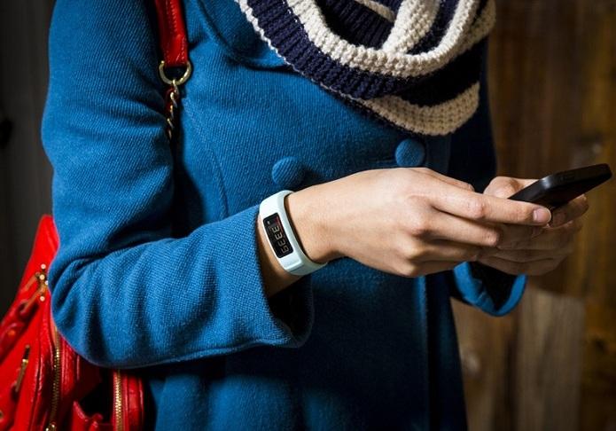 Фитнес-браслет должен быть совместим с вашим телефоном