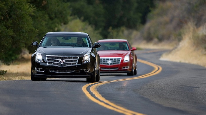 Безопасное поведение машины на трассе