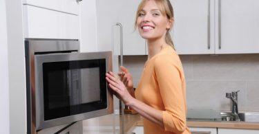 Мифы о вреде микроволновки