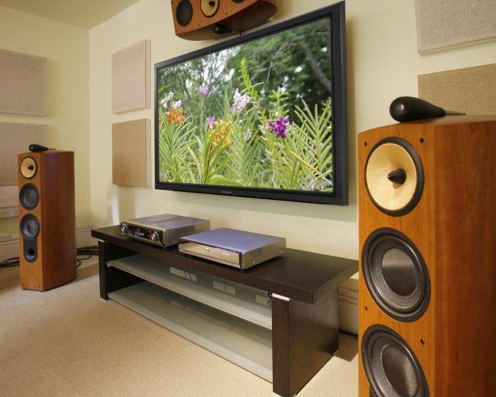 Наиболее чистый звук воспроизводят музыкальные центры с деревянными колонками