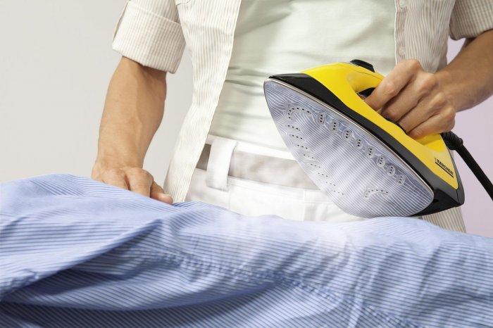 Титановая подошва утюга отличается высокой прочностью, легко поддается чистке и хорошо скользит по любым видам тканей