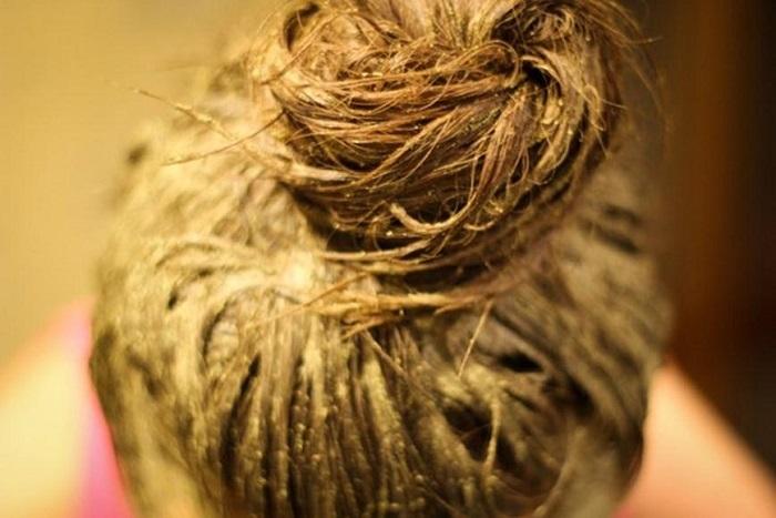Хна окрасит волосы в насыщенный цвет, оздоровит и укрепит