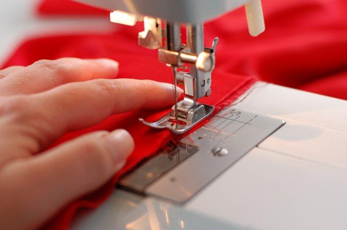Швейная машинка поможет в короткие сроки сшить любой наряд