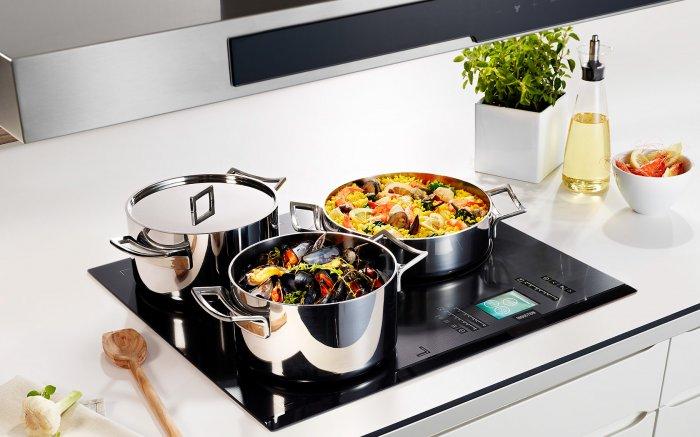 Для стеклокерамической плиты необходимо выбирать специальную посуду