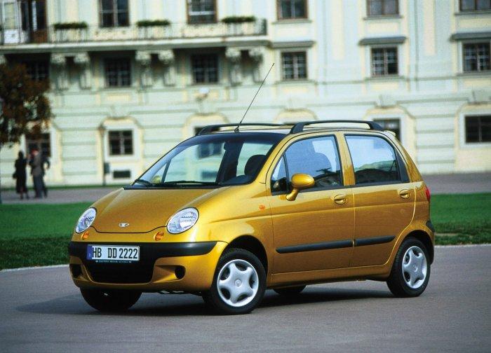 Маленький, компактный автомобиль Daewoo Matiz