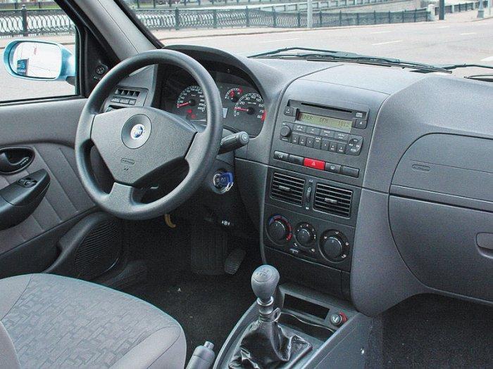 Салон автомобиля Fiat Albea