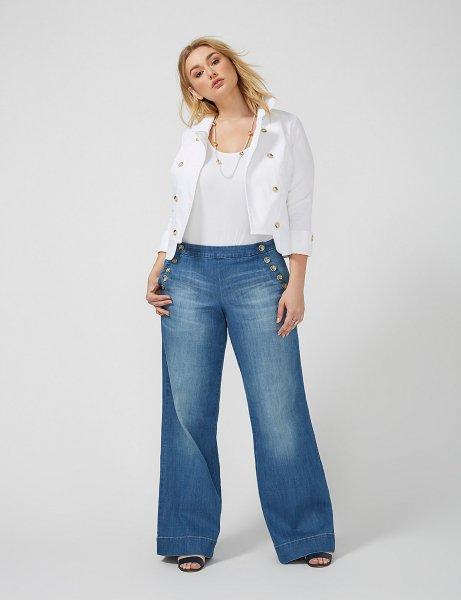Широкие джинсы визуально увеличивают объем