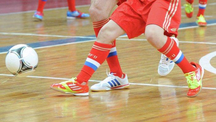Дополнительные вставки защищают носок при ударе