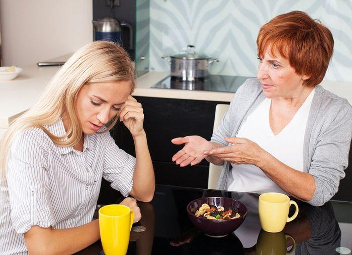 Часто старшее поколение вмешивается в личную жизнь детей