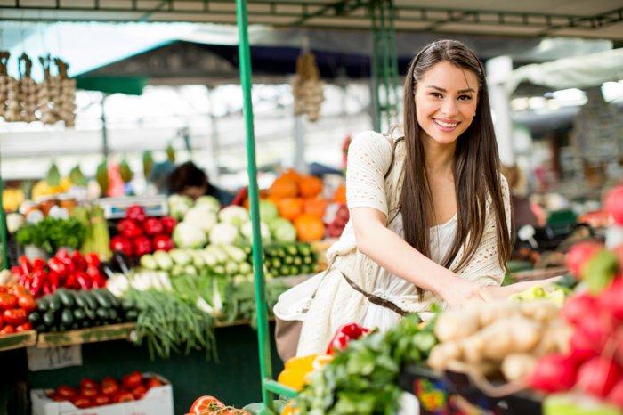 На рынке можно найти овощи с собственного огорода, выращенные без пестицидов